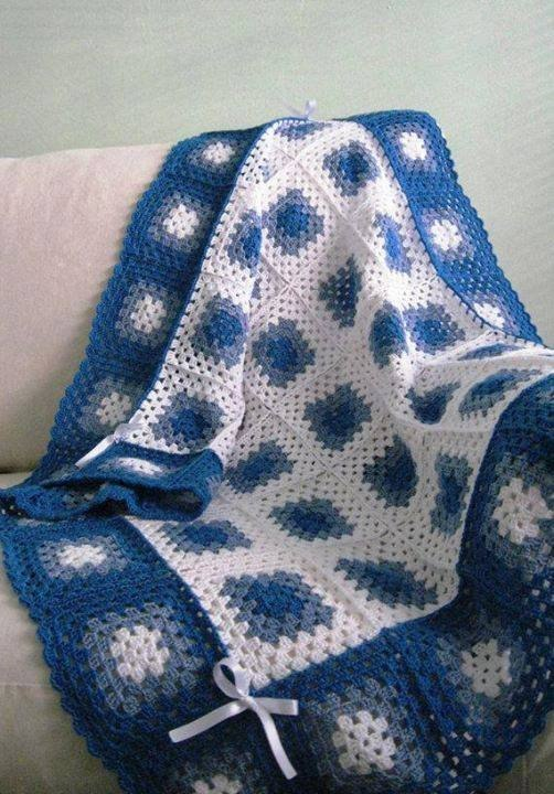 Manta con cuadros tejidos en crochet02